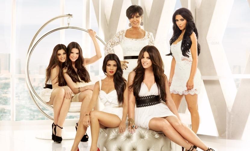 keeping-up-with-the-kardashians-season-6-promotional-photoshoot-kim-kardashian-22538578-1280-1024
