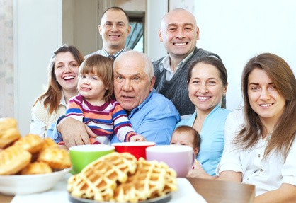 large-family-photo_Fotolia_59346159_XS
