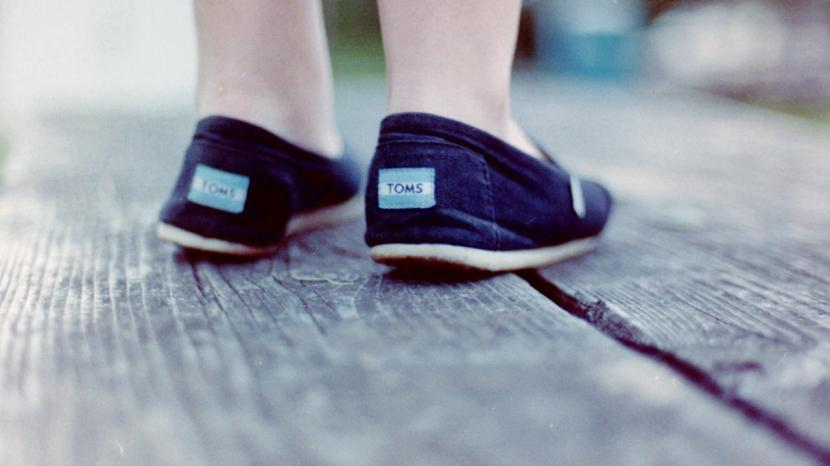 3015209-poster-p-nside-the-staggering-success-of-toms-shoes