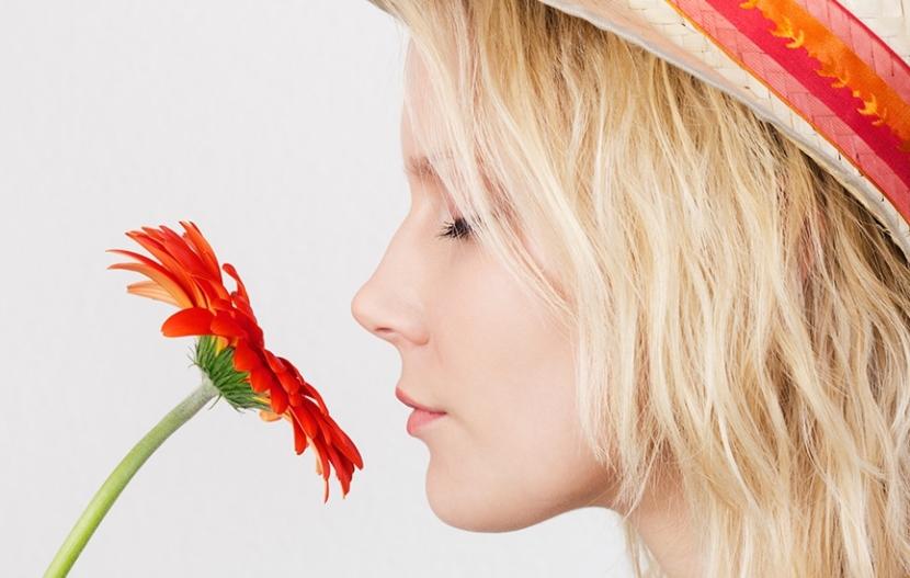 vitals_smellingflower